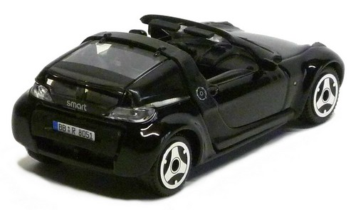 Burago Smart roadster (2)-1
