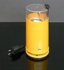 Braun Coffee Grinder (vicent.zp) Tags: coffee yellow vintage design amarillo braun 1979 grinder hartwig 4041 viintage ksm2 kahicke