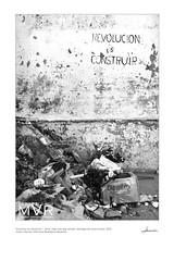 """""""Construir es revolución -  Build is revolution""""_Santiago de Cuba_2013 (M. Villanueva Photography) Tags: cuba revolution revolucion comunism comunismo cartel billboards rubbish"""