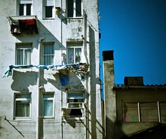 (marcos rv) Tags: old cidade espaa june la town spain corua vieja ciudad galicia galiza vella giugno junio ropa spagna 2010 citt vecchia tendal xuo glizia