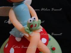 Voc daria um Beijinho? ( Ktia Busson .) Tags: arte artesanato frog biscuit fairy um sapo vc daria fada porcelanafria feitopormim feitoamo ktiabusson