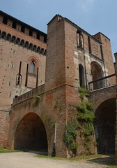 Castello Visconteo / Visconti Castle (Luigi Rosa has moved to Ipernity) Tags: italy brick castle italia entrance ponte drawbridge castello lombardia ingresso lombardy pavia mattone visconte levatoio