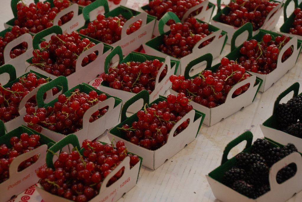 currants at Marche Forville