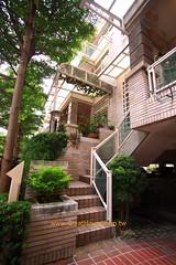 國泰市政尊園:迴旋式玄關樓梯