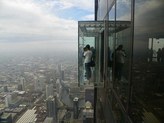 Chicago Willis Tower SKydeck , Glass Balcony