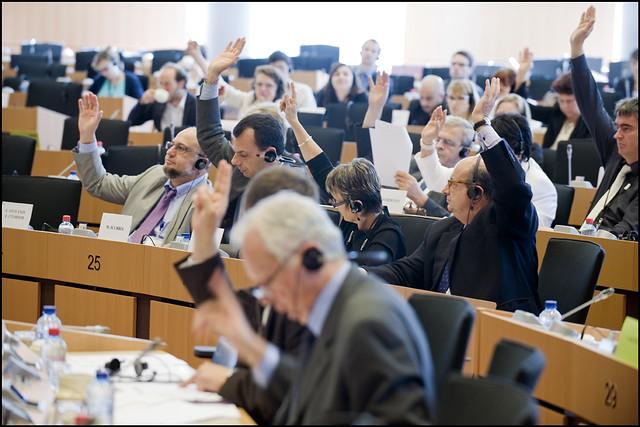 Culture MEPs call on EU for more European online conversation by European Parliament