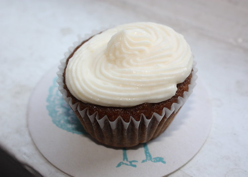 Vegan Gingerbread Cupcake with Lemony Buttercream Frosting