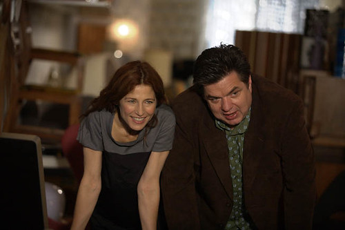 Catherine Keener and Oliver Platt navigate their guilt in 'Please Give'.