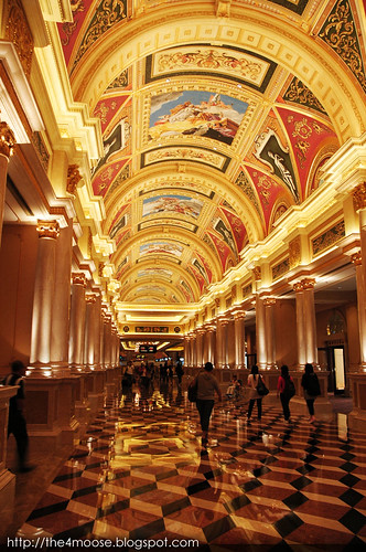 The Venetian - Hallway to Casino