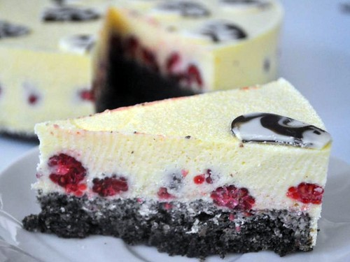 Poppyseed Cake with White Chocolate Mousse and Raspberries