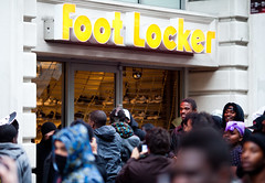 Rioters Begin Looting Foot Locker, Oakland Riots, 2010 (Thomas Hawk) Tags: california usa oakland riot unitedstates unitedstatesofamerica protest eastbay riots footlocker looting looters oscargrant oaklandriots oaklandlocal johannesmersehle oaklandca070810 oaklandriots2010