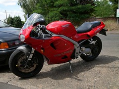 "Triumph Daytona • <a style=""font-size:0.8em;"" href=""https://www.flickr.com/photos/87605699@N00/4780364668/"" target=""_blank"">View on Flickr</a>"