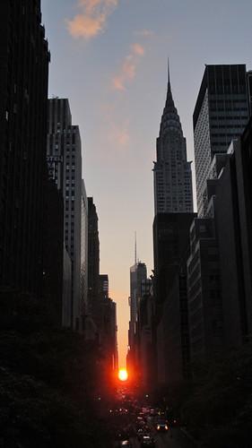 Manhattanhenge 2010