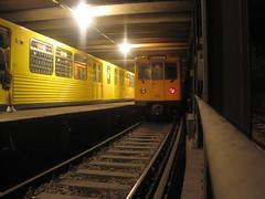 IMG_0775 (ferrekos) Tags: old berlin yellow yard subway metro platform rail spot amarillo alemania writer tunel ambiance anden vias