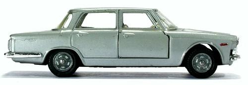 30 Mebetoys Alfa 2600