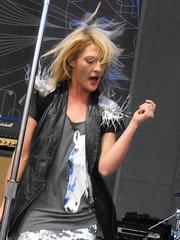 Metric's Emily Haines dance