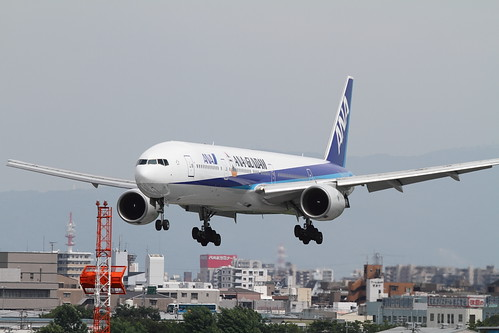 ANA's GUNDAM JET First Flight @RJOO (2)