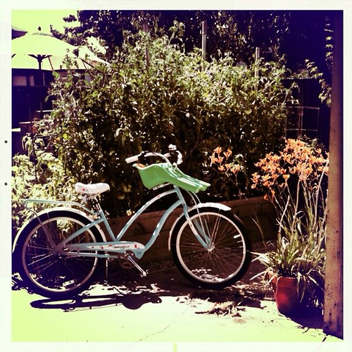 Hipstamatic | My new Electra bike (with ibert child seat)