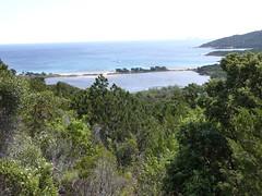 Porto Novo Ouest : plage et étang de Porto Novo Ouest depuis le sentier de Conti