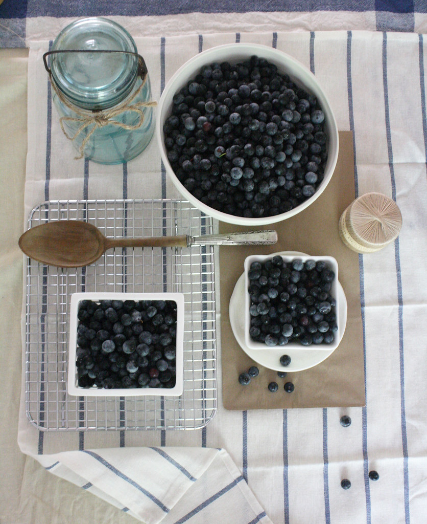 bluberry table