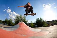 (tyllionaire) Tags: canon eos jump skateboarding spot hannover pole skate hanover ghetto bachman 2er 40d