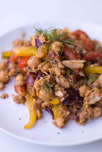 Kikerherne-tuunikalasalat / Chickpea and Tuna Salad