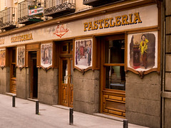 SML700022.jpg (Keith Levit) Tags: madrid signs building sign buildings photography spain europe exterior balcony fineart paintings front signage balconies lantern resturant caf exteriors frontage pasteleria levit faade keithlevit keithlevitphotography