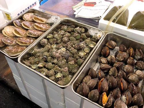 Tsukiji Ichiba: Clams