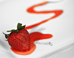 Strawberry (Halah Al-yousef ||||) Tags: canon strawberry 100mm micro 7d hershey    halah       canon7d  alyousef