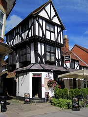 The Bird Cage, Thame, Buckinghamshire (Snapshooter46) Tags: birdcage buckinghamshire oldbuilding publichouse thame jettied timerframed