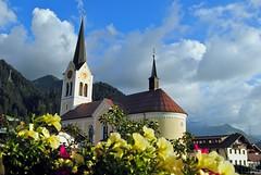 Mountain Church (Tobi_2008) Tags: mountains alps church austria sterreich europa europe day cloudy kirche berge alpen glise kleinwalsertal riezlern impressedbeauty platinumheartaward updatecollection ucreleased