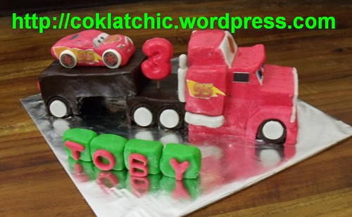 ... & Mini Cake Lightning mcqueen cars – TOBY | Jual Kue Ulang Tahun