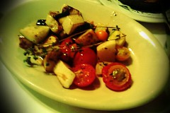 dante's kitchen (Nick_Runyan) Tags: herbs neworleans tomatoes squash danteskitchen