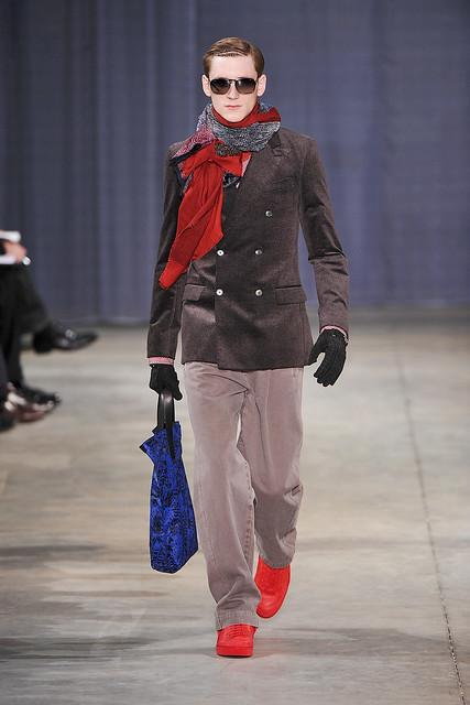Bastiaan Ninaber3043_FW09_Paris_Louis Vuitton(VOGUEcom)