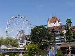 Riesenrad und Schloss Thun