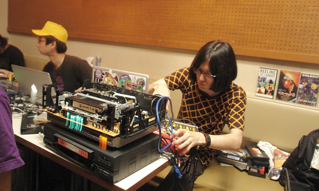 VJ videoboy (Arakawa Tomonori)
