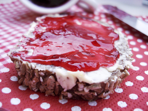 Himbeer-Konfitüren-Brot