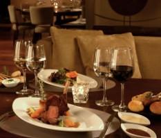 Carnes de Caza y Bodega Terrazas en rëd Resto & Lounge