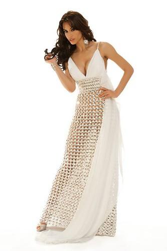 Peru lady amazing gowns