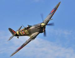 Supermarine Spitfire MK IX (mickb6265) Tags: fighter ww2 command shuttleworthcollection oldwarden mh434 rollsroycegriffon oldflyingmachinecompany battleofbritainairdisplay supermarinespitfiremk1x