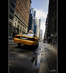 +50,000 visites!!! (Òscar Garriga) Tags: street city nyc usa ny newyork car yellow america calle unitedstates taxi sony mahattan ciudad coche alpha visits carrer ciutat estadosunidos nuevayork eeuu cotxe a700 estatsunits
