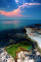 Edge of the World (A.alFoudry) Tags: xnuzha foudryphotocom abdullah alfoudry abdullahalfoudry kuwait kuwaiti kuw q8 q8city q80 canon eos 5d || 5d|| canoneos5d|| mark|| mk|| mark mark2 canoneos5dmark|| full frame fullframe canonef1635mmf28l|| ef 1635mm f28l|| cliff edge sunrise ramadan clouds pink blue green rock rocks landscape seascape land scape sea slow shutter effect water silent silence filter lee الكويت كويت عبدالله الفودري