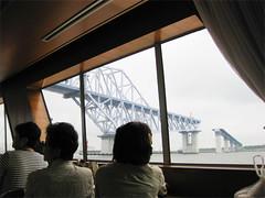 船で運んできた橋01