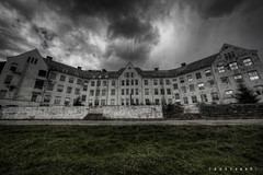 The Overlook Sanatorium on a rainy day ([AndreasS]) Tags: old urban mountain building history abandoned rain oslo norway trash canon buildings hospital dark lost eos norge closed mood fotograf exterior place decay empty grunge explorer watching neglected eerie location creepy norwegian patient ill forgotten urbanexploration 5d mold sanatorium overlook exploration sick desolate asylum derelict m2 decayed dereliction infection ue mii sykehus enclosed norsk urbex tuberculosis sted mark2 skandinavia contagious forlatt asyl forfall smitte steder photoexploring estetikk nedlagt tuberkolose forlatte uexplorer photoxploring forfalls