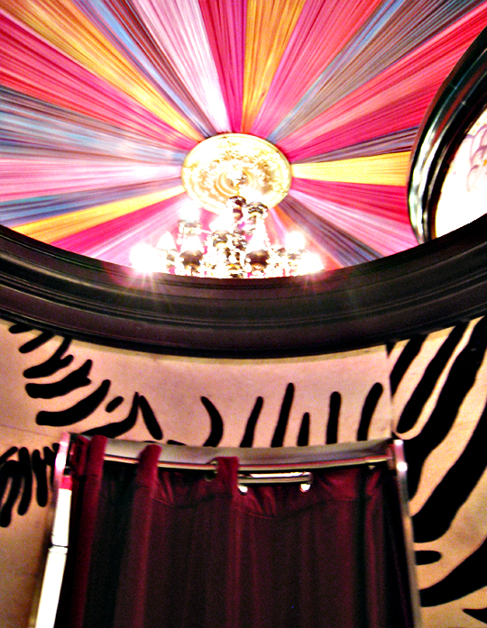 Annie Creamcheese Vegas Shop+Ceiling