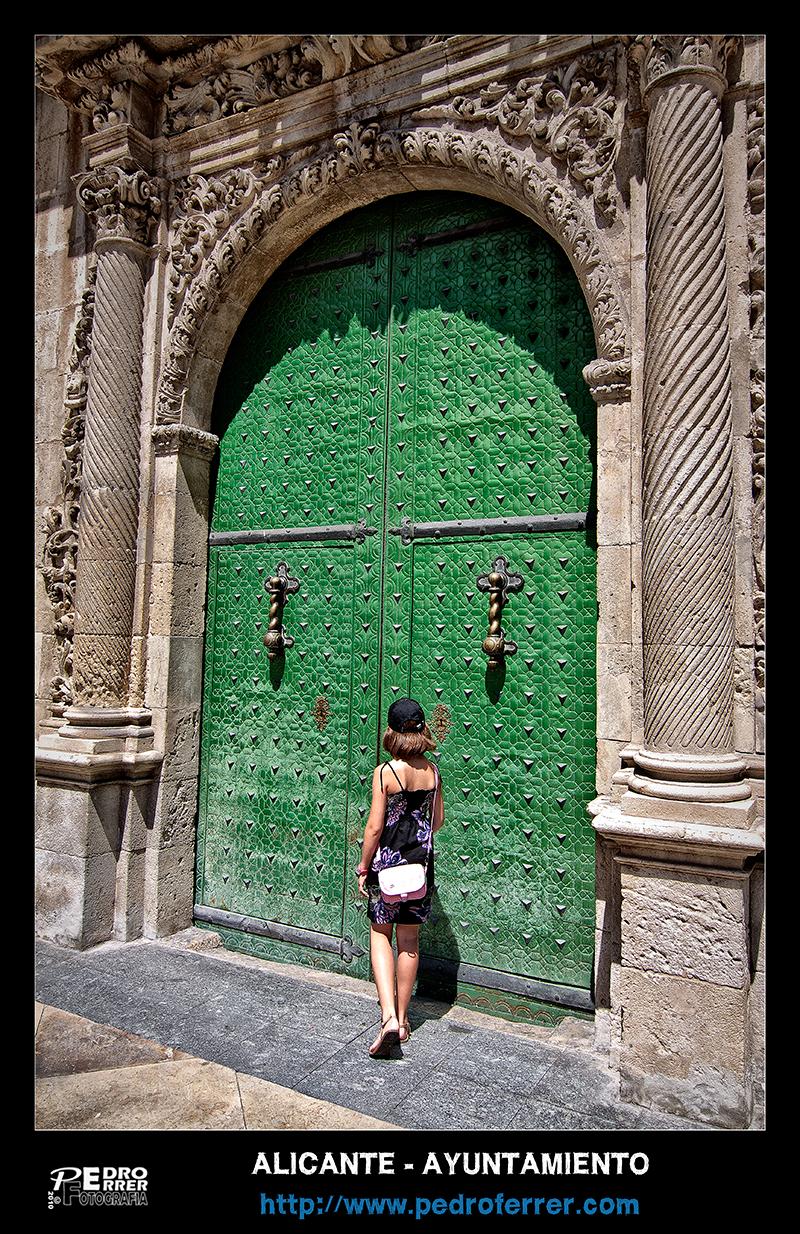 Ayuntamiento de Alicante - Detalle fachada