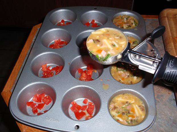 SCRAMBLED EGG MUFFINS MUFFIN TIN