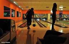 Bowling Strike in Alte ceccato. (nicolamarini79) Tags: color nikon bowling strike nikkor bal altececcato 3person d300s