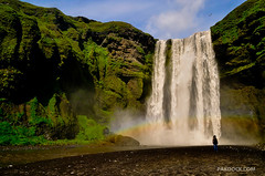 Girl staring at Skogafoss (@PAkDocK / www.pakdock.com) Tags: ocean trip travel iris light sunset sea summer panorama naturaleza sun cold art fall tourism luz sol window nature water girl june arcoiris sunrise landscape geotagged outdoors photography waterfall iceland islandia rainbow dock agua nikon scenery exposure mood chica view dynamic farm south country north paisaje running falls amanecer midnight geology gps staring paysage peninsula landschaft artic arco breathtaking catarata sland midnightsun pak icelandic cascada volcan northernmost skogar magiclight eyjafjallajkull d90 medianoche skogarfoss lveldi pakdock