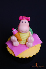 My Little Sweetie Turtle! (Little Cottage Cupcakes) Tags: sea cupcakes picnic turtle icecream seaturtle fondant sugarpaste childrencupcakes littlecottagecupcakes